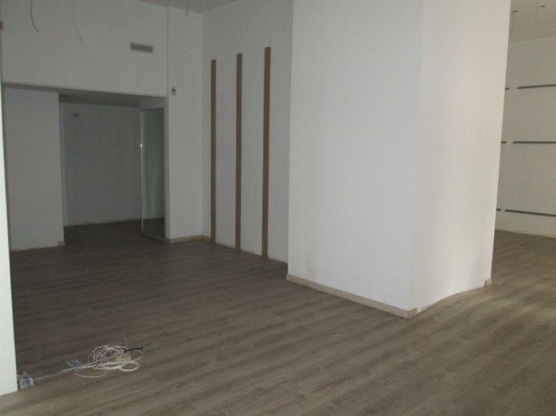 Immobile Commerciale in affitto a Pescara, 9999 locali, prezzo € 3.000   Cambio Casa.it