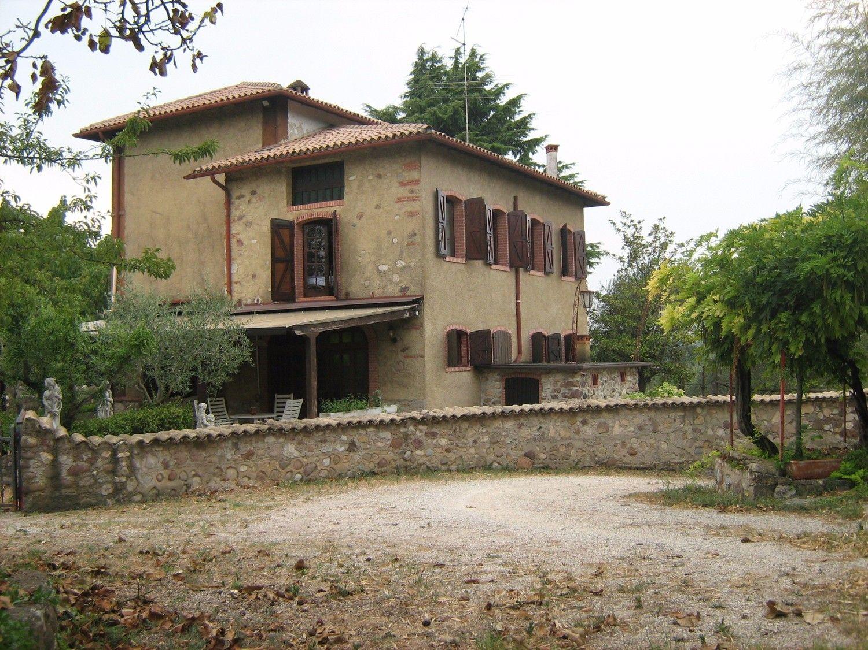 Soluzione Indipendente in vendita a Costermano, 9 locali, prezzo € 997.000 | Cambio Casa.it