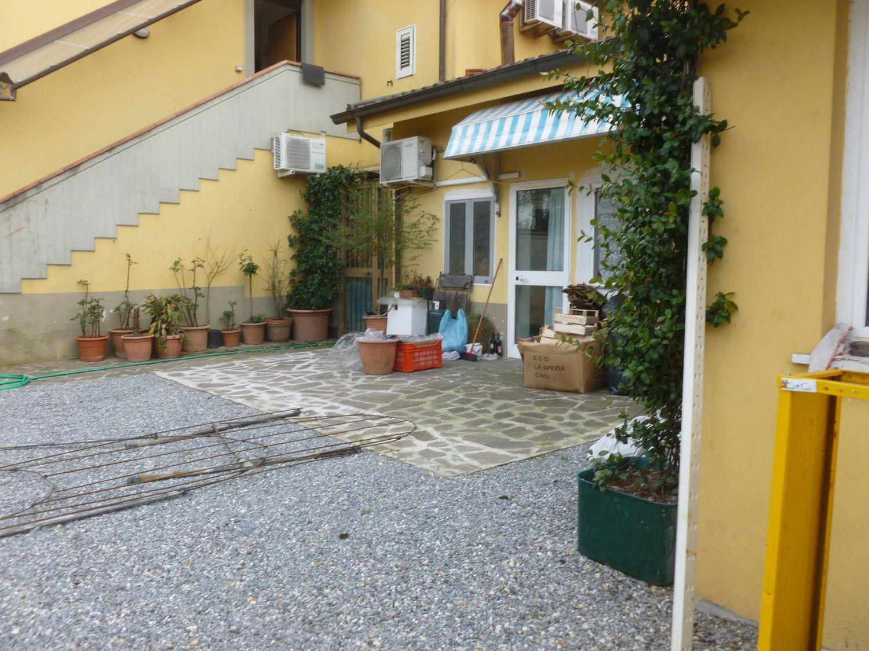 Duplex in vendita a Porcari, 3 locali, prezzo € 85.000 | PortaleAgenzieImmobiliari.it