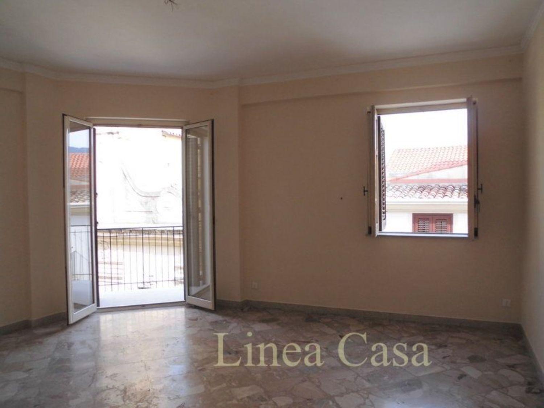 Appartamento in affitto a Monreale, 4 locali, prezzo € 550 | CambioCasa.it