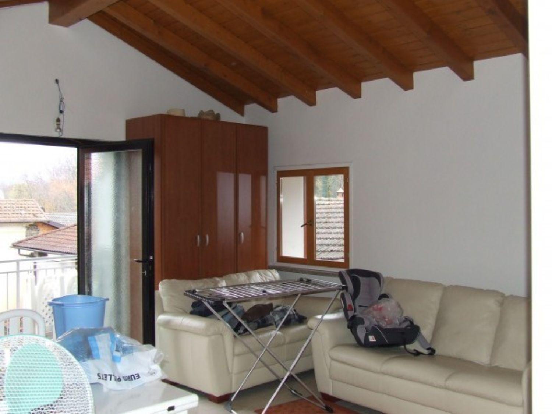 Appartamento in vendita a Mesenzana, 3 locali, prezzo € 110.000 | Cambio Casa.it
