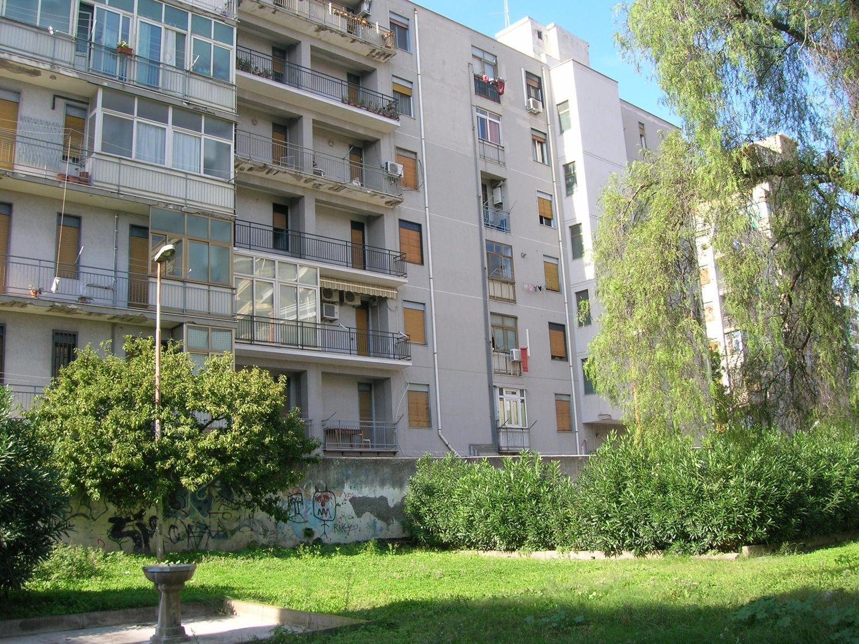 Appartamento in vendita a Catania, 4 locali, prezzo € 150.000 | CambioCasa.it