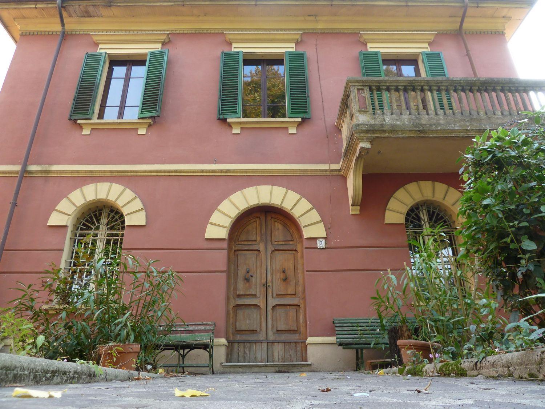 Soluzione Indipendente in vendita a San Giovanni in Persiceto, 8 locali, prezzo € 315.000 | Cambio Casa.it