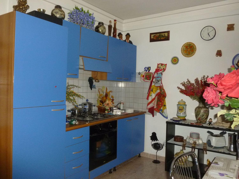 Duplex in vendita a Porcari, 10 locali, prezzo € 230.000 | PortaleAgenzieImmobiliari.it