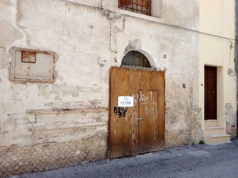 Immobile Commerciale in vendita a Vasto, 9999 locali, prezzo € 200.000 | Cambio Casa.it