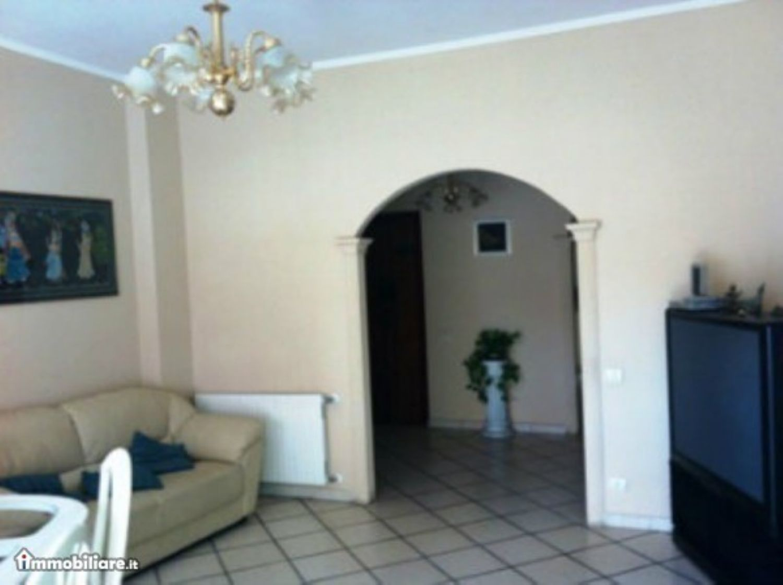 Appartamento in vendita a Velletri, 5 locali, prezzo € 228.000 | Cambio Casa.it