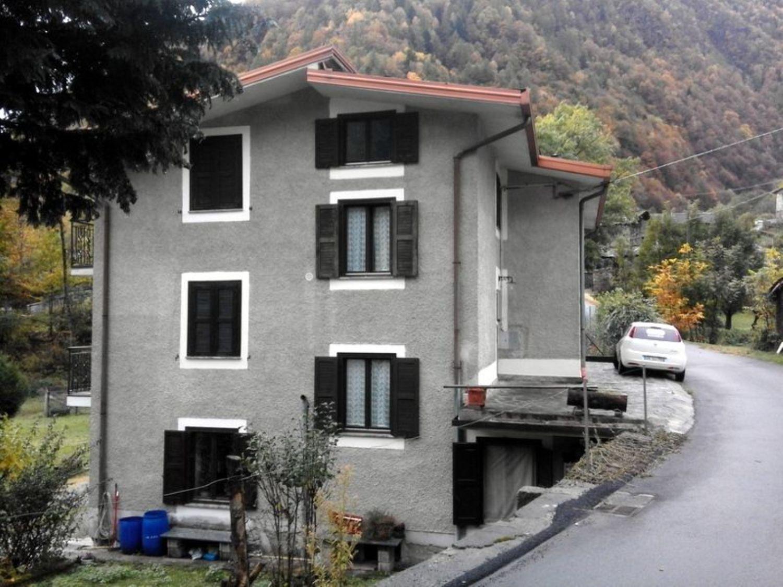 Appartamento in vendita a Torre di Santa Maria, 4 locali, prezzo € 95.000 | Cambio Casa.it