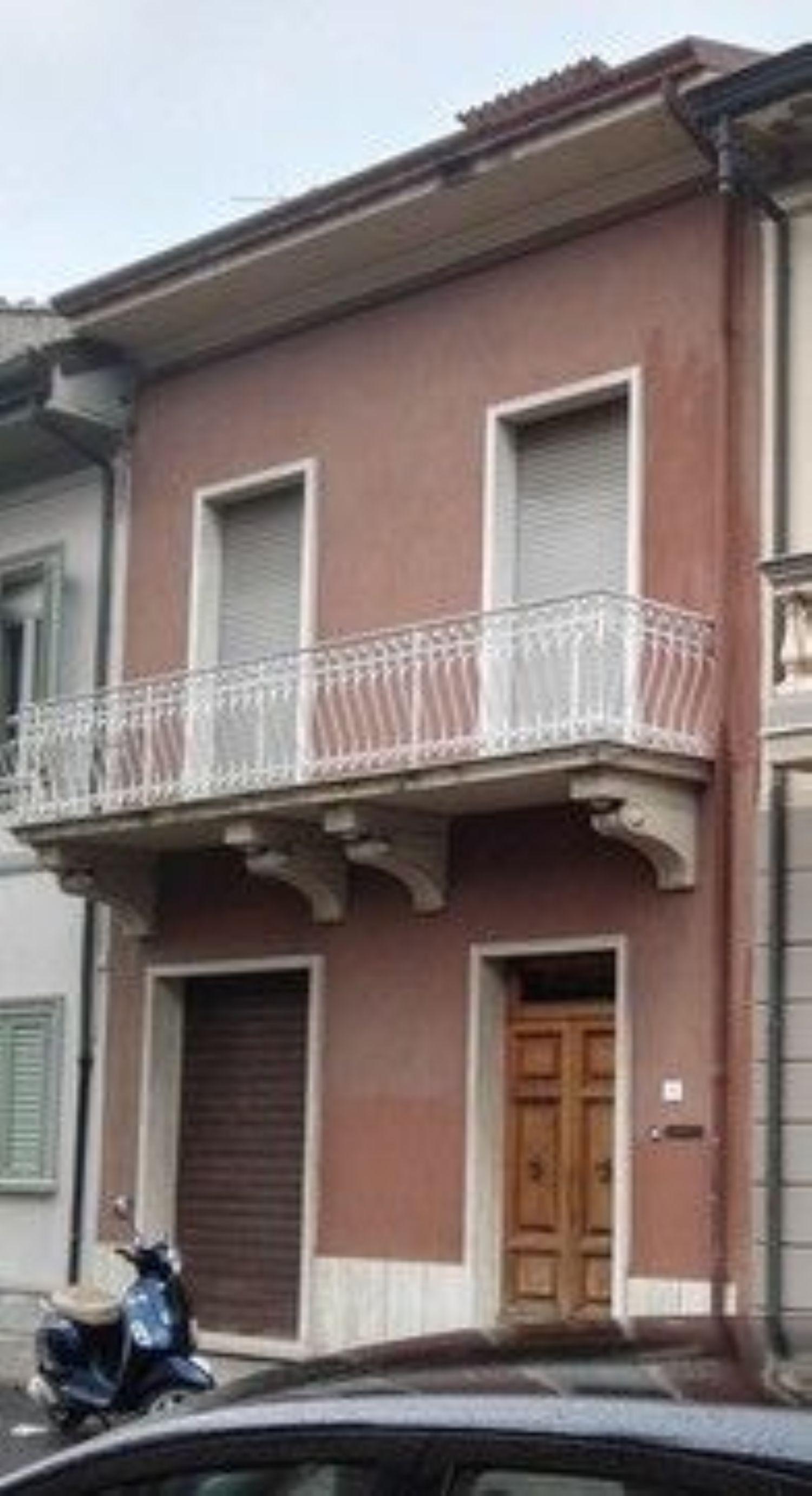 Soluzione Indipendente in vendita a Viareggio, 7 locali, prezzo € 550.000 | Cambio Casa.it