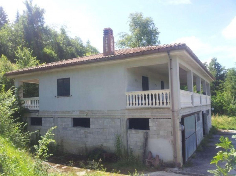 Soluzione Indipendente in vendita a Subiaco, 4 locali, prezzo € 195.000   CambioCasa.it