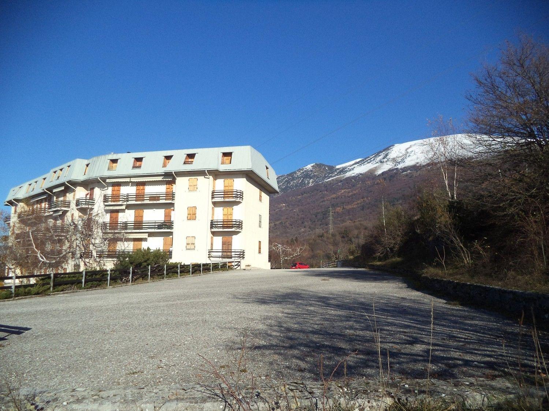 Appartamento in vendita a Brenzone, 3 locali, prezzo € 60.000 | CambioCasa.it