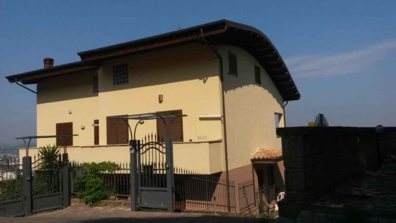 Villa Bifamiliare in Vendita a San Giovanni Teatino