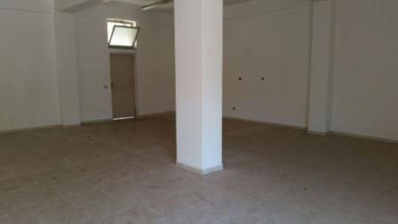 Immobile Commerciale in affitto a Avellino, 9999 locali, prezzo € 2.880 | Cambio Casa.it