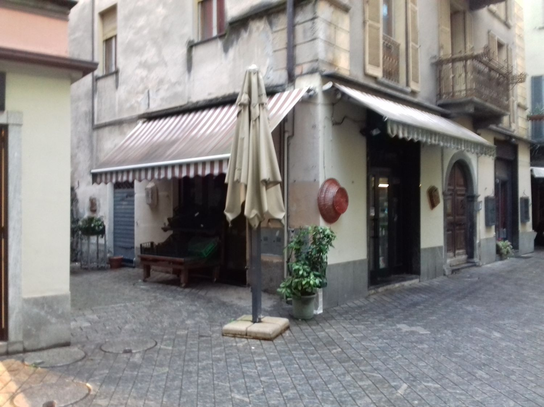 Immobile Commerciale in affitto a Sondrio, 9999 locali, prezzo € 1.300 | CambioCasa.it