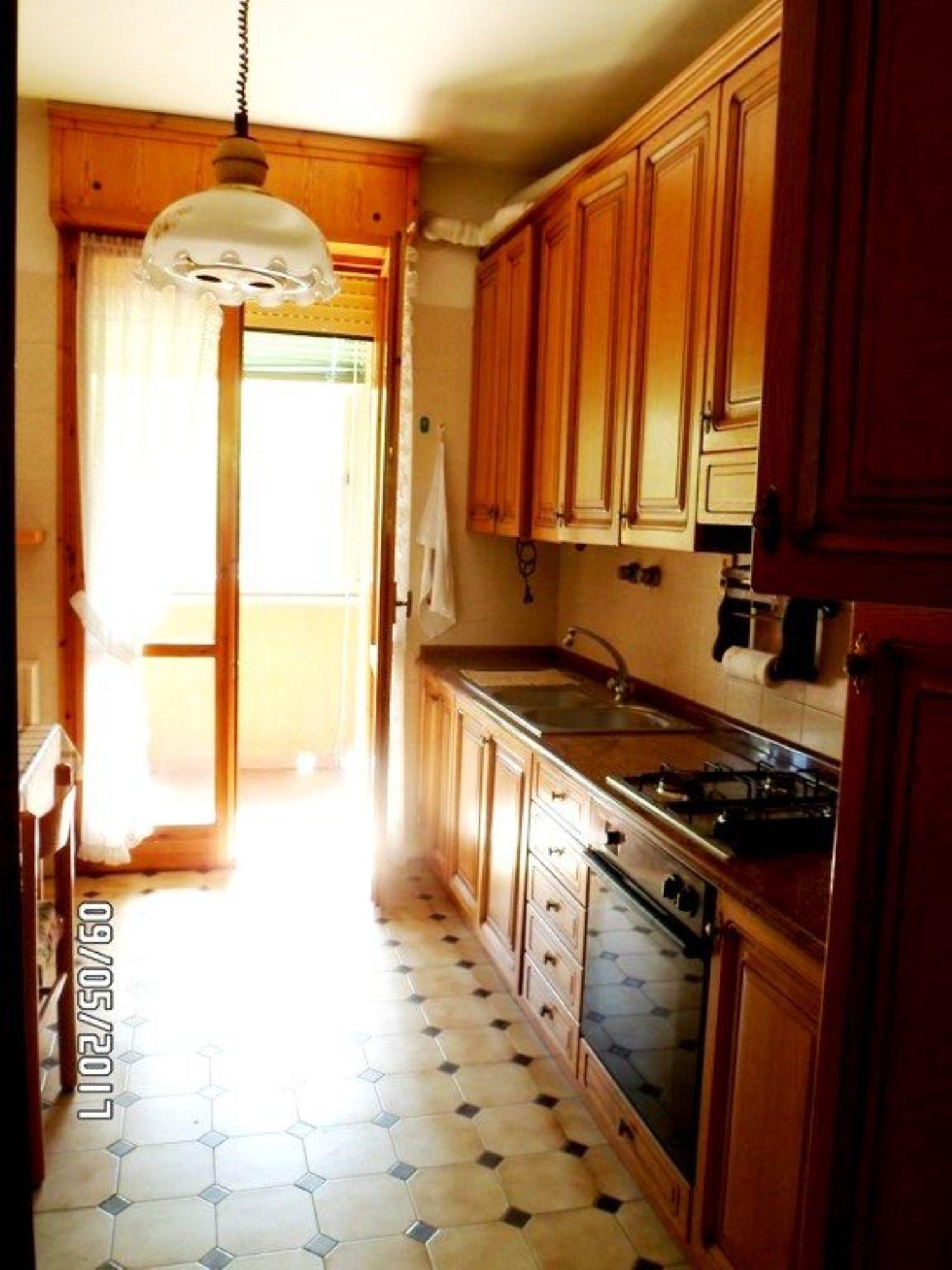 Appartamento in affitto a Castel San Pietro Terme, 5 locali, prezzo € 650 | CambioCasa.it