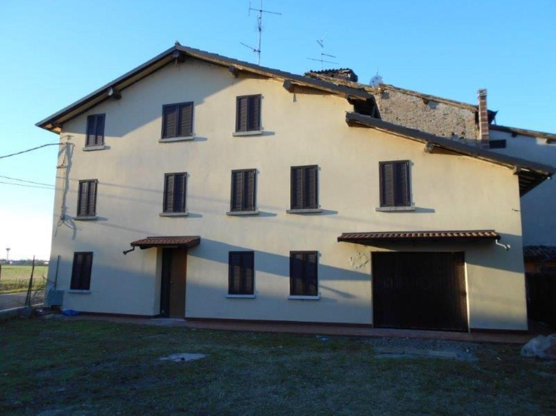 Soluzione Indipendente in vendita a Reggio Emilia, 8 locali, prezzo € 95.000 | Cambio Casa.it