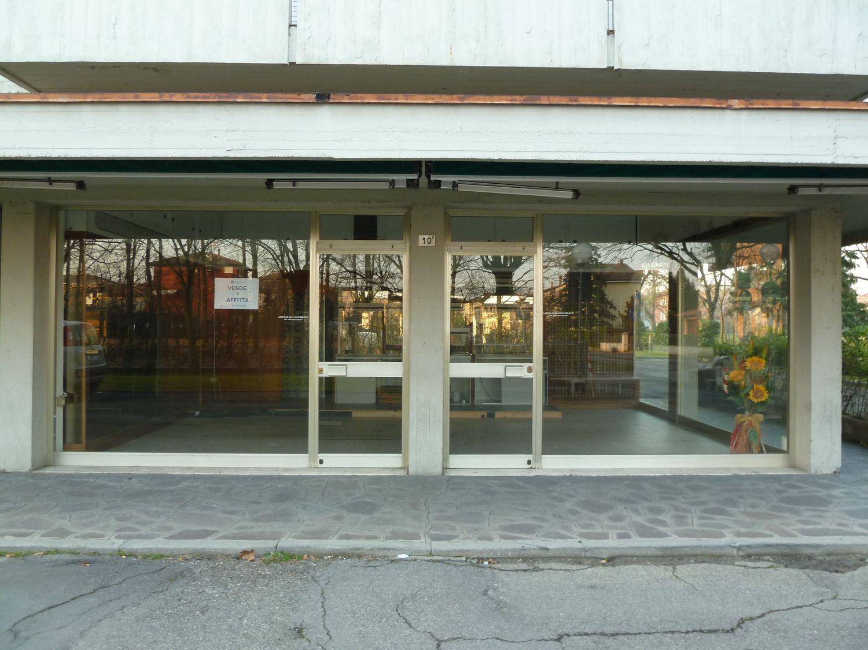 Immobile Commerciale in affitto a San Giovanni in Persiceto, 9999 locali, prezzo € 600 | Cambio Casa.it