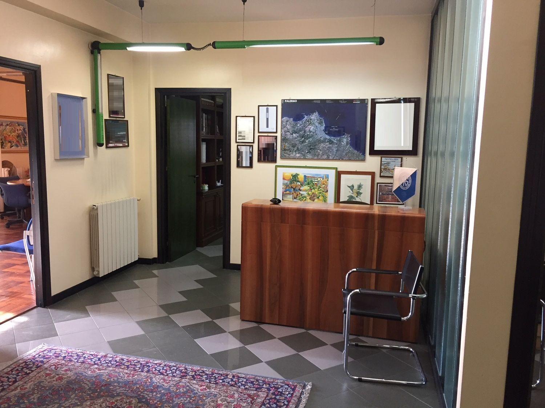 Ufficio / Studio in affitto a Palermo, 9999 locali, prezzo € 730 | CambioCasa.it