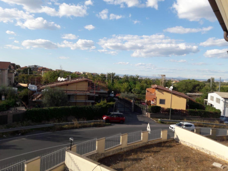 Villa Bifamiliare in vendita a Roma, 4 locali, prezzo € 359.000 | CambioCasa.it