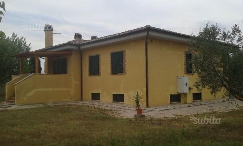 Soluzione Indipendente in vendita a Velletri, 5 locali, prezzo € 249.000   CambioCasa.it