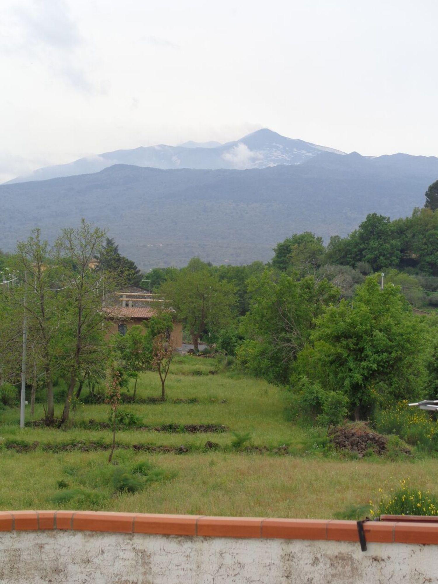 Appartamento in vendita a Castiglione di Sicilia, 6 locali, prezzo € 189.000 | Cambio Casa.it