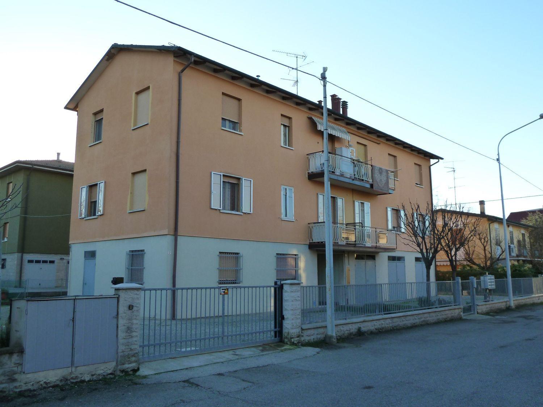 Appartamento in vendita a San Giovanni in Persiceto, 4 locali, prezzo € 132.000 | Cambio Casa.it