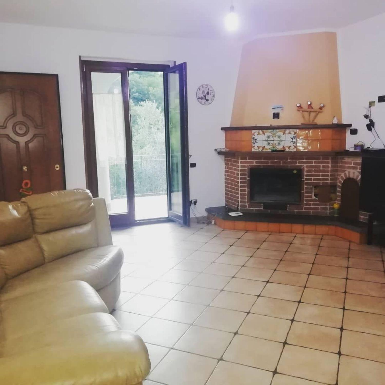 Appartamento in affitto a Cava de' Tirreni, 3 locali, prezzo € 450 | CambioCasa.it