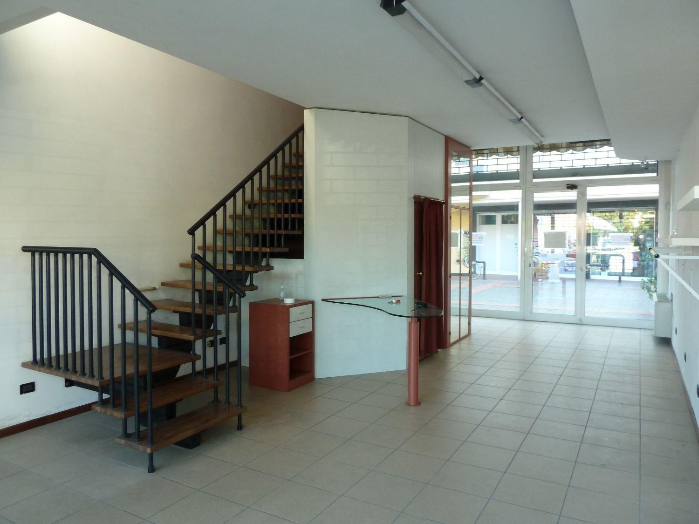 Immobile Commerciale in vendita a San Giovanni in Persiceto, 9999 locali, prezzo € 220.000 | Cambio Casa.it