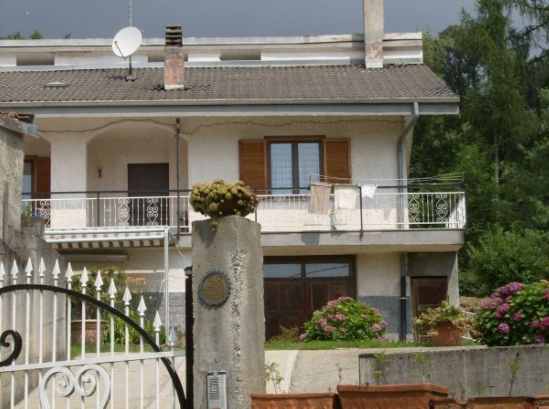 Soluzione Indipendente in vendita a Canischio, 4 locali, prezzo € 130.000   CambioCasa.it