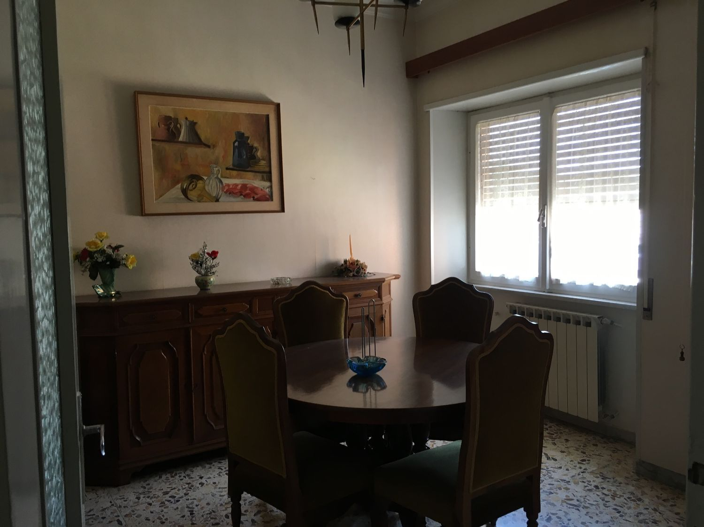 Appartamento in vendita a Subiaco, 4 locali, prezzo € 130.000 | CambioCasa.it