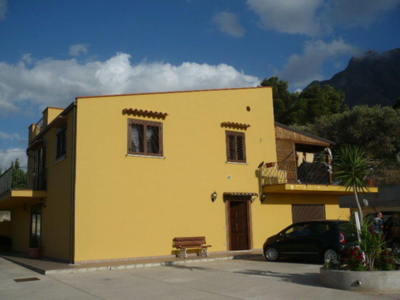 Soluzione Indipendente in vendita a Termini Imerese, 8 locali, prezzo € 360.000 | CambioCasa.it