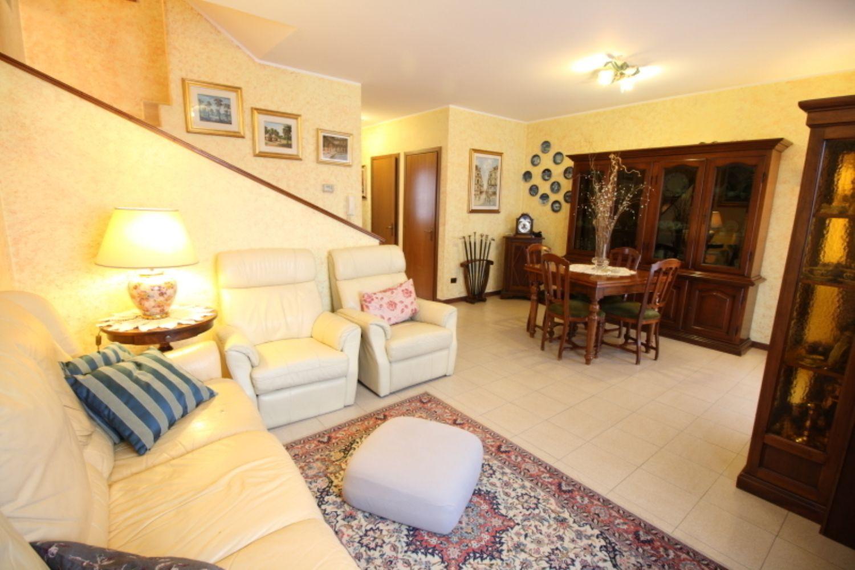 Villa Bifamiliare in Vendita a Mediglia