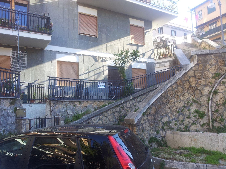 Appartamento in vendita a Subiaco, 2 locali, prezzo € 80.000 | CambioCasa.it