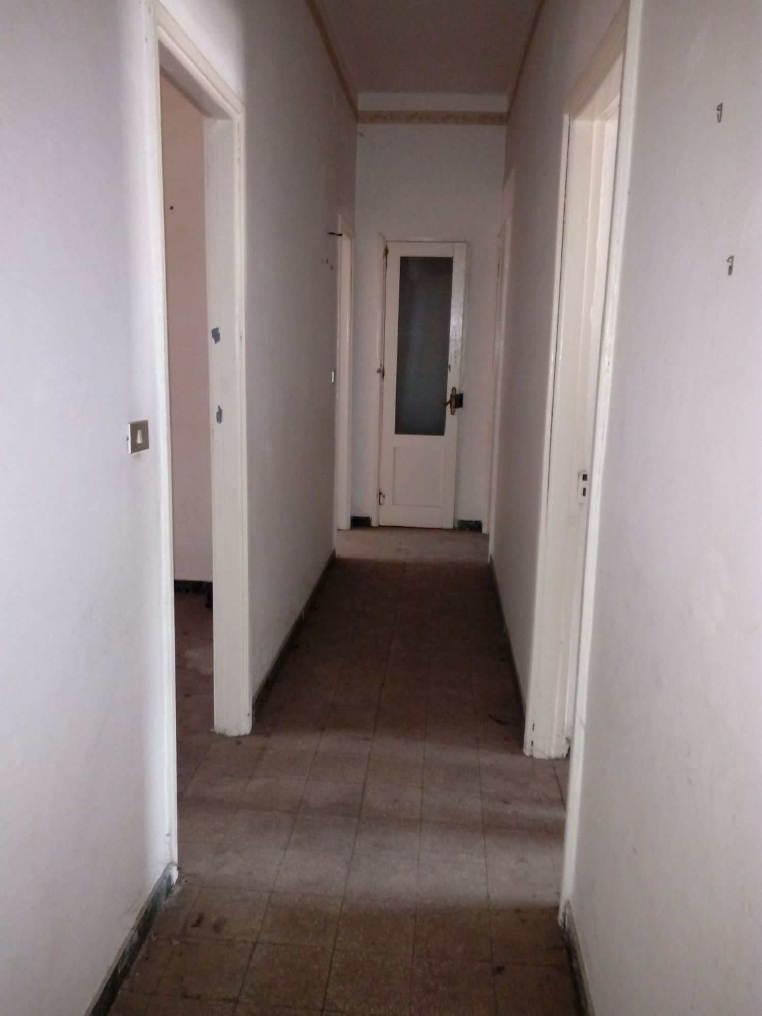Appartamento in vendita a Avellino, 5 locali, prezzo € 60.000 | Cambio Casa.it