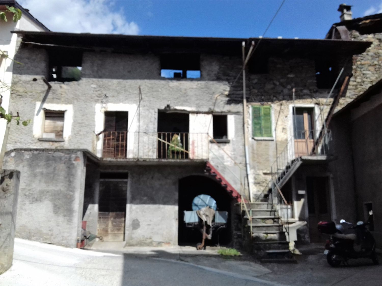 Appartamento in vendita a Sondrio, 10 locali, prezzo € 45.000 | CambioCasa.it