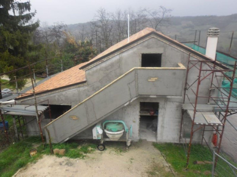 Soluzione Indipendente in vendita a Miglianico, 5 locali, prezzo € 105.000 | Cambio Casa.it