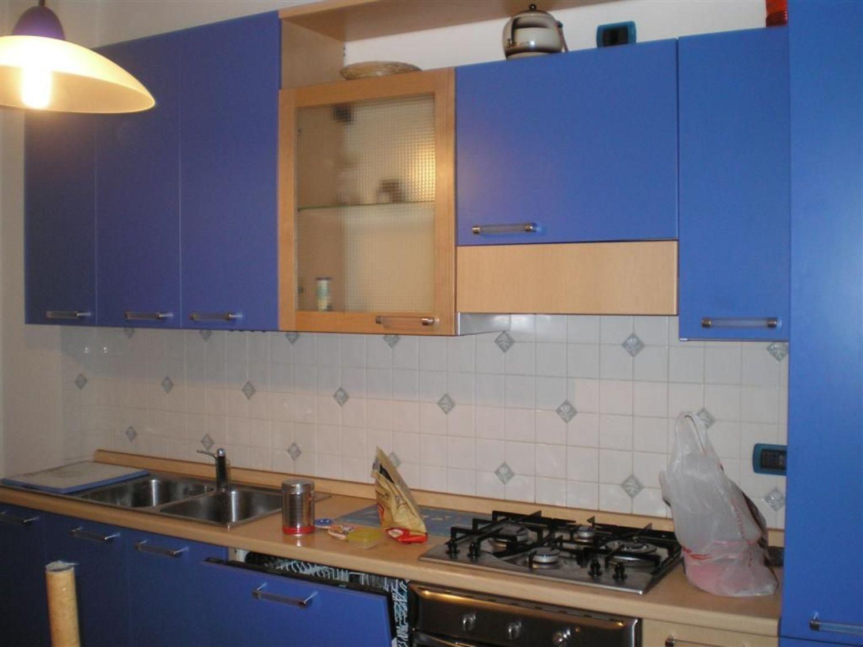 Appartamento in affitto a Trieste, 3 locali, prezzo € 450   Cambio Casa.it