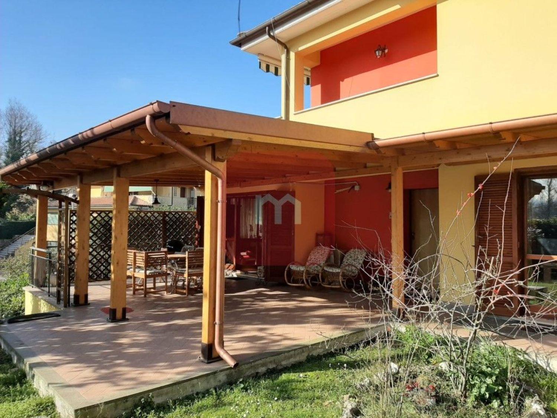 Villa Bifamiliare in vendita a Lariano, 5 locali, prezzo € 289.000 | CambioCasa.it