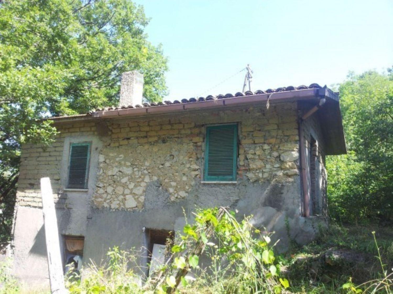 Appartamento in vendita a Subiaco, 3 locali, prezzo € 34.000 | Cambio Casa.it