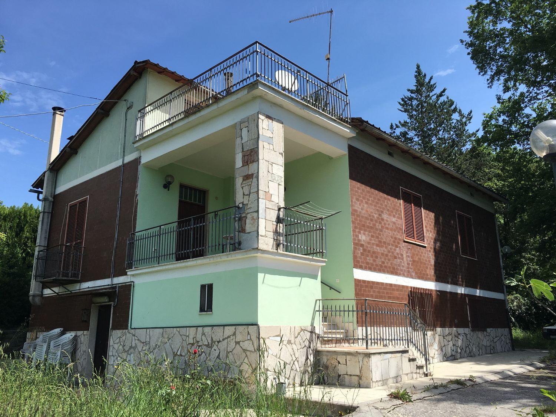 Soluzione Indipendente in vendita a Subiaco, 5 locali, prezzo € 135.000 | Cambio Casa.it