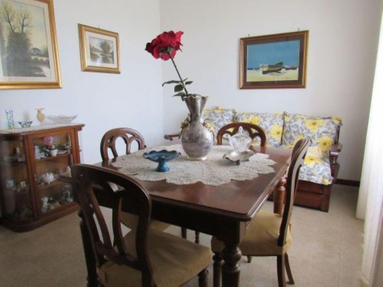 Soluzione Indipendente in vendita a Anguillara Sabazia, 4 locali, prezzo € 120.000 | Cambio Casa.it