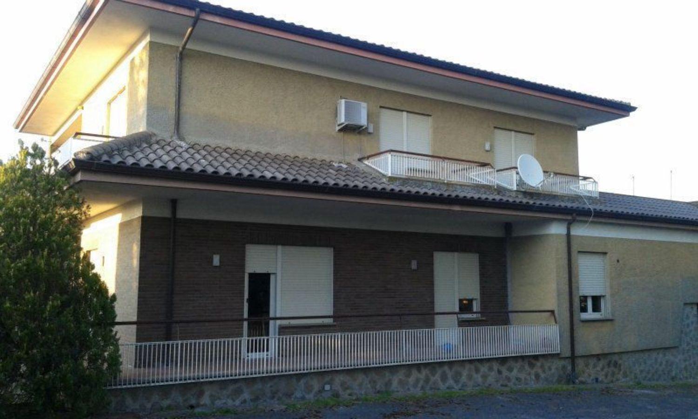 Soluzione Indipendente in vendita a Velletri, 5 locali, prezzo € 449.000 | CambioCasa.it