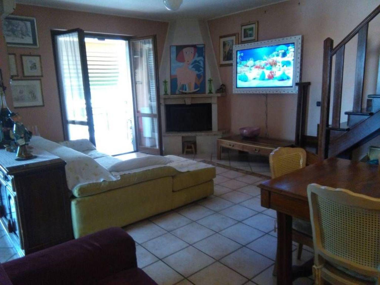 Appartamento in vendita a Cerveteri, 5 locali, prezzo € 225.000 | CambioCasa.it