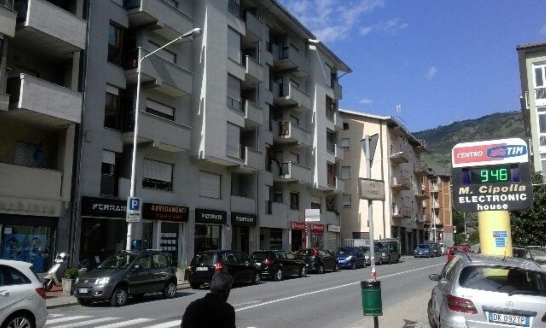Appartamento in affitto a Sondrio, 2 locali, prezzo € 300 | CambioCasa.it