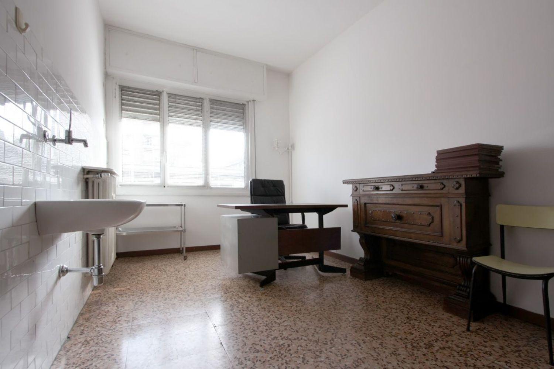 Ufficio / Studio in vendita a San Donato Milanese, 9999 locali, prezzo € 260.000 | PortaleAgenzieImmobiliari.it