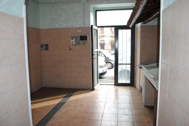 Immobile Commerciale in affitto a Acireale, 9999 locali, prezzo € 900 | Cambio Casa.it