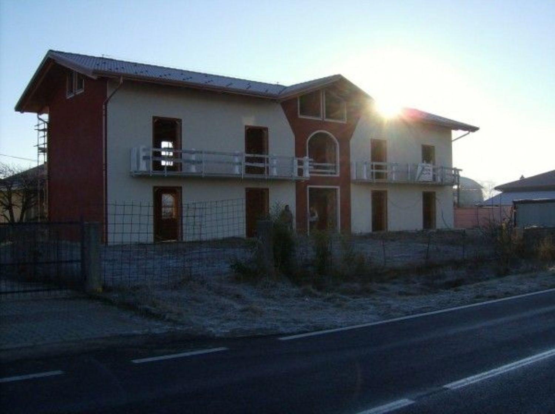 Appartamento in vendita a Rivarolo Canavese, 4 locali, prezzo € 195.000 | CambioCasa.it