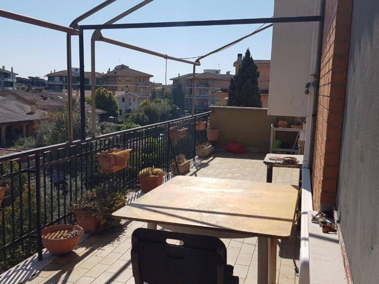 Appartamento in vendita a Roma, 4 locali, prezzo € 219.000 | CambioCasa.it