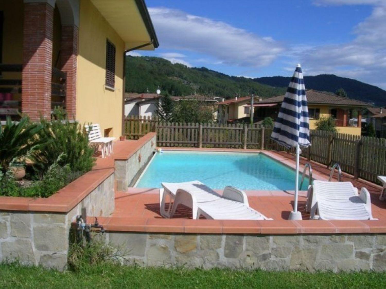 Soluzione Indipendente in vendita a Pescaglia, 6 locali, prezzo € 450.000 | CambioCasa.it