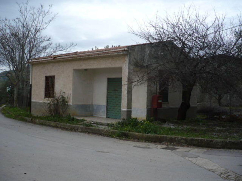 Immobile Commerciale in vendita a Caccamo, 9999 locali, prezzo € 100.000 | Cambio Casa.it