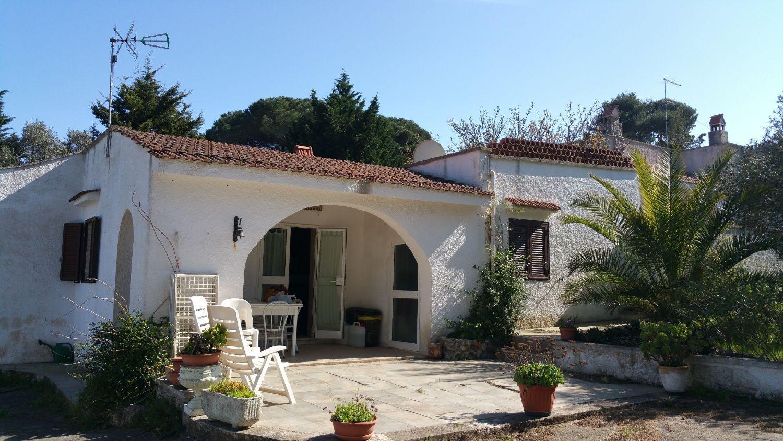 Soluzione Indipendente in vendita a Ostuni, 11 locali, prezzo € 230.000 | Cambio Casa.it